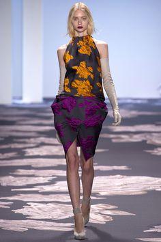 Vera Wang Fall/Winter 2013/14 #VeraWang #catwalk #NYFW #fashionweek #model #fall #2013 #runway #trend #runway #fashion