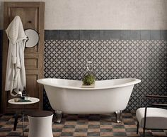 https://i.pinimg.com/236x/01/6f/ee/016feef2fe9d46b86d72729456204f4a--hexagon-tiles-design-bathroom.jpg
