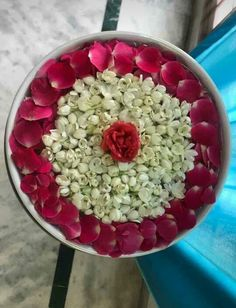 Diwali Decorations At Home, Home Wedding Decorations, Festival Decorations, Flower Decorations, Rangoli Designs Flower, Flower Rangoli, Flower Designs, Thali Decoration Ideas, Decoration For Ganpati