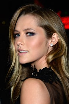 Teresa Palmer sultry hair and makeup