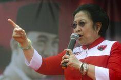 Presiden Joko Widodo ditagih janjinya oleh Ketua Umum DPP PDI Perjuangan Megawati Soekarnoputri. Megawati meminta kepada Jokowi agar membuka ruang bagi kaum perempuan untuk mengaktualisasikan diri. Megawati menyinggung janji yang Jokowi janjikan saat kampanye tentang isu-isu perempuan. Selain dirinya, Megawati pun yakin kaum perempuan juga pasti berharap Jokowi memenuhi janjinya itu.