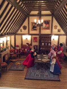 Kevin Jackson Tudor Dolls Houses (jt-the Great Hall in Maria's Tudor Rose Apothecary. A commission)