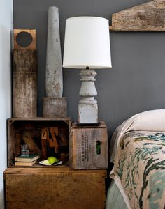 Porch post lamp bedside table from Crates and rustic wooden details (Lovely home in the Catskills (via NYT photo by Trevor Tondro)) Wooden Crates Nightstand, Wooden Boxes, Porch Posts, Piece A Vivre, Blog Deco, Upstate New York, Home And Deco, Repurposed, Home Goods