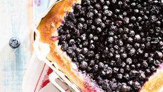 Pullapohjainen mustikkapiirakka on vastustamaton herkku. Finnish Recipes, Bread And Pastries, Sourdough Bread, Delicious Desserts, Recipies, Pizza, Tasty, Baking, Fruit