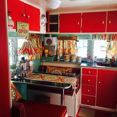 75 genius rvs and camper interor design ideas Travel Trailer Interior, Camper Interior Design, Vintage Camper Interior, Rv Interior, Interior Ideas, Retro Campers, Rv Campers, Camper Trailers, Vintage Campers