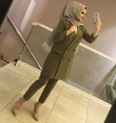 Stylish Hijab, Modest Fashion Hijab, Hijab Chic, Abaya Fashion, Muslim Fashion, Fashion Dresses, Official Dresses, Hijab Fashionista, Hijabi Girl