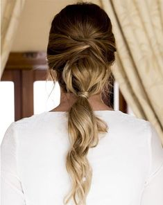 10 pigtails in trend for an Oui bride Fancy Hairstyles, Ponytail Hairstyles, Bride Hairstyles, Undone Look, South Indian Bride Hairstyle, Hair Junkie, Festival Hair, Oui Oui, Bad Hair