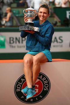 Simona Halep, RG Champion 2018 Simona Halep, French Open, Romanian Girls, Romanian Flag, Romania People, Premier League, Fifa, Wimbledon Tennis, Legs