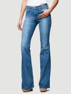 The Perfect Jeans With An Extended Inseam for Longer Legs. Our Exclusive Collaboration with Supermodel Karlie Kloss Flatters with A Higher Rise, Longer Leg Proportions & A Flared Silhouette. Crafted from Premium Denim in A Medium Blue Wash. Frame Store, Perfect Jeans, Denim Branding, Denim Outfit, Jean Outfits, Flare Jeans, Supermodels, Bell Bottom Jeans, Legs