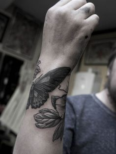 Wrist Tattoos for Men – Inspirations and Ideas for Guys