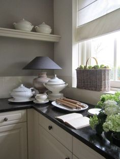 landelijke keuken wall color with soapstone