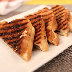 Like a grilled cheese sandwich Curtis Stone Recipes, Grilled Cheese Recipes, Good Food, Yummy Food, Grilled Sandwich, Fab Life, Dessert Drinks, Grandchildren, Hospitality