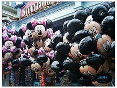 Mickey & Minnie balloons in Disneyland, Paris, France