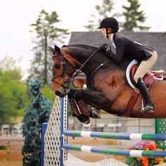 knees tucked!!! Great Eq, aside from her release not being auto