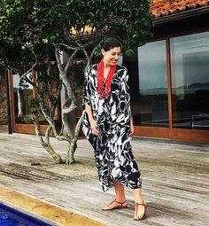 Como fazer uma mala para várias temperaturas e lugares? Uniqlo, Kaftan, Ideias Fashion, Kimono Top, Dresses With Sleeves, Shirt Dress, My Style, Long Sleeve, Casual