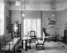 Casa Assan, arh. profesor Carl Witzmann – Viena. Salon. Lemn de păr. Materiale textile: gri cu albastru