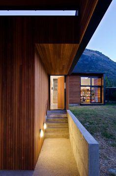 Уютный домик на берегу озера Квинстоун https://vk.com/faqindecor?w=wall-69527163_834 #FAQinDecor #design #decor #architecture