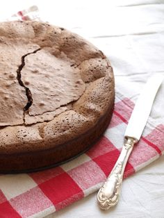 J'avais oublié comme il était agréable de préparer un bon gâteau au chocolat, et…