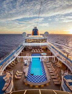 Berlitz Cruise Guide: Die besten Kreuzfahrtschiffe der Welt http://www.travelbook.de/service/Europa-und-Europa-2-erneut-beste-Kreuzfahrtschiffe-der-Welt-535840.html