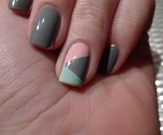 Having short nails is extremely practical. The problem is so many nail art and manicure designs that you'll find online Grey Nail Polish, Gray Nails, Love Nails, Pink Nails, How To Do Nails, Menta Chocolate, Grey Nail Designs, Geometric Nail, Manicure Y Pedicure