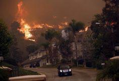 ΤΩΡΑ - Μεγάλη πυρκαγιά στο Λος Άντζελες
