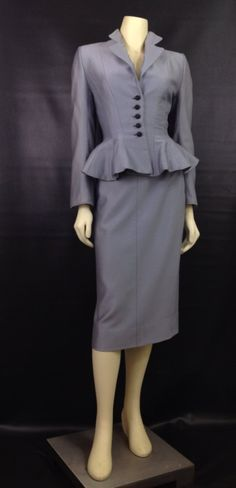 """~Vintage Lilli Ann 1940s suit~ Love the jacket would need a little shorter skirt #5'2""""problems"""