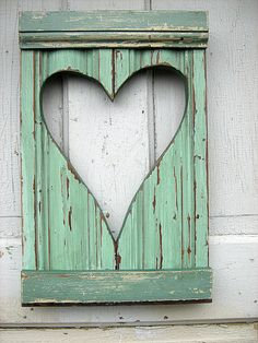 Reclaimed Wood Mint Green Heart Shutter by woodenaht on Etsy Pallet Crafts, Pallet Art, Wooden Crafts, Construction Palette, Decoration St Valentin, Reclaimed Wood Projects, My Funny Valentine, Valentines, Ideas Hogar