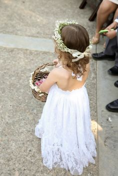 Flower Girl Baby's Breath Flower Crown | Bloomies On Main | Drozian Photoworks https://www.theknot.com/marketplace/drozian-photoworks-napa-ca-375937
