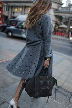 Cut Outs #trenchcoat #streetstyle #backtofall