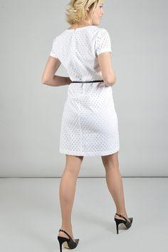 Perrina robe mc - Antonelle Réf :  17RO1812 Cette robe avec petite ceinture fine, en broderie anglaise délicate avec son style très chic tout en finesse vous accompagnera dans vos petites occasions habillées si vous l'enfilez avec des talons. Ou dans un style champêtre avec un petit blouson en jean et des petites baskets. A vous de décider!!! #Antonelle #dress #white #cute   #clothing #instasell #instamoda  #lookoftheday #womenswear