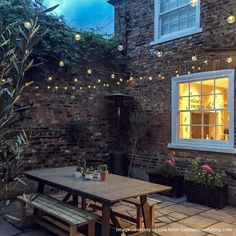 Here are outdoor lighting ideas for your yard to help you create the perfect nighttime entertaining space. outdoor lighting ideas, backyard lighting ideas, frontyard lighting ideas, diy lighting ideas, best for your garden and home Outdoor Garden Lighting, Outdoor Decor, Pergola Lighting, Garden Lighting Ideas Uk, Small Garden Lights, Small Patio Gardens, Outdoor Lights Uk, Small Garden Party Ideas, Battery Powered Outdoor Lights