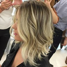 New hair bob blonde balayage 18 Ideas Short Bob Hairstyles, Hairstyles Haircuts, Ling Bob, Medium Hair Styles, Curly Hair Styles, Hombre Hair, Light Hair, Blonde Balayage, Hair Trends
