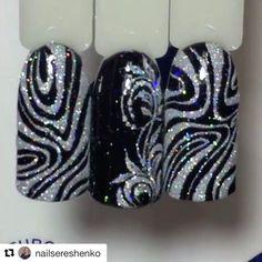 226 отметок «Нравится», 1 комментариев — МК от лучших нейл мастеров (@mknogti) в Instagram: «#Repost @nailsereshenko (@get_repost) ・・・ Блёсток много не бывает В работе использованы материалы…» Fancy Nails, Bling Nails, Cute Nails, Pretty Nails, Black Nail Designs, Toe Nail Designs, Christmas Nail Designs, Christmas Nails, Nailart