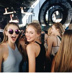 Olivia Brower and Scarlett Leithold Coachella 2015 pinterest: @nickibryson