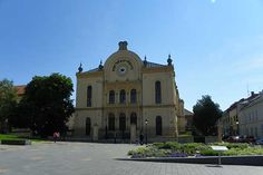 Die Synagoge von Pécs Hotels, Budapest, Mansions, House Styles, Europe, Traveling, Luxury Houses, Palaces, Mansion