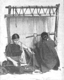 """Navajo Woman and Infant, Canyon de Chelle, Arizona."" (Canyon de Chelly National Monument), 1933 - 1942 - NARA - 519947 - Navajo people - Wikipedia, the free encyclopedia"