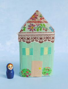 zakka life: Make a Washi Tape Village with toilet paper rolls. Diy Craft Projects, Projects For Kids, Crafts For Kids, Arts And Crafts, Diy Crafts, Craft Ideas, Washi Tape Crafts, Paper Crafts, House Quilts