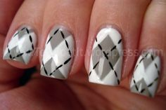 A few weeks ago I did a pink and green argyle mani and have been wanting to try another argyle ever since. I tried it two different ways, if you'll notice.I don't like my ring finger q… Get Nails, Fancy Nails, Love Nails, How To Do Nails, Pretty Nails, Hair And Nails, Hallographic Nails, Manicures, Nail Polish Designs