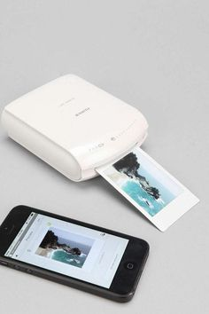 An instant smartphone printer for all of your polaroid-worthy snaps. Print your smartphone selfies straight onto INSTAX film for adorable wallet-sized polaroids of everything you take photos of.
