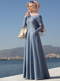 Be stylish muslimah fashion & Best online store for hijab fashion Abaya Fashion, Modest Fashion, Fashion Outfits, Hijab Style Dress, Hijab Outfit, Turkish Fashion, Islamic Fashion, Turkish Style, Abaya Mode