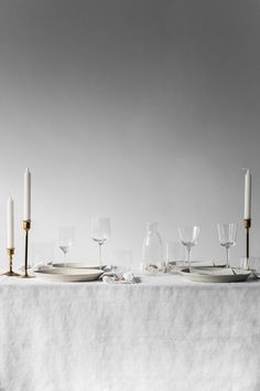 Still / White Table - Renee Kemps
