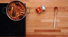 Vídeo Receta Paella con Pimentón Ahumado La Chinata  http://www.unabuenarecomendacion.com/index.php/gastronomia/alimentacion/5034-video-receta-paella-con-pimenton-ahumado-la-chinata