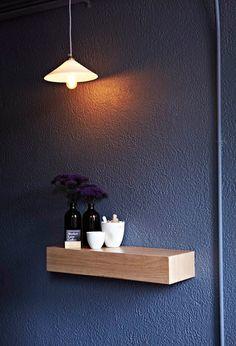 charcoal wall & thick wood floating shelf