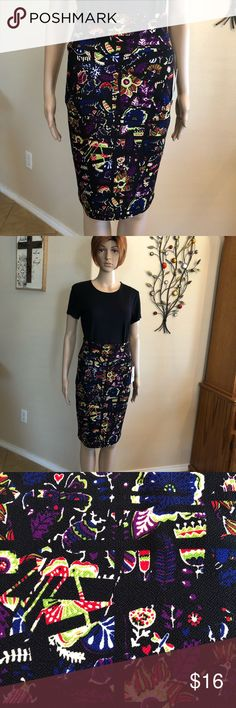 """🌼NWT LuLaRoe fun Cassie skirt! Sz.XS 🎉 NWT adorable party pattern on this Cassie! 97% poly, 3% spandex fabric with a slight texture to the fabric. 13"""" across waist, 16"""" across hips & 23"""" total length. This skirt looks & feels really good!❤️🖤💙 LuLaRoe Skirts Pencil"""