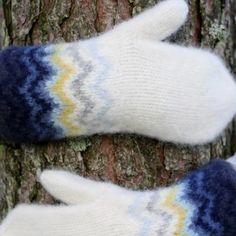 Vinterlysvotten - Lilly is Love Crochet Mittens, Knit Crochet, Crochet Pattern, Drops Design, Mitten Gloves, Chain Stitch, Fingerless Gloves, Arm Warmers, Knitting Patterns