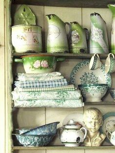 Vajilla glamorosa on pinterest tea cups vintage china - Vajilla shabby chic ...