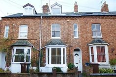 For Sale - £184,950 3 Bedroom Townhouse - Banbury