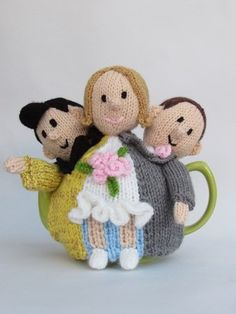 Las Vegas Elvis Wedding Tea Cosy knitting pattern on CrazyPatterns https://www.crazypatterns.net/en/items/37464/las-vegas-elvis-wedding-tea-cosy