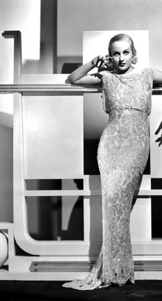 Carole Lombard, 1936 - Summers in Hollywood Hollywood Fashion, Vintage Hollywood, Hollywood Costume, Old Hollywood Glamour, Golden Age Of Hollywood, Classic Hollywood, Hollywood Actresses, Hollywood Gowns, Vintage Glamour