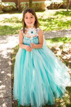 Elsa tutu dress Frozen Snow Queen inspired costume. Quite sure I will need to make this.